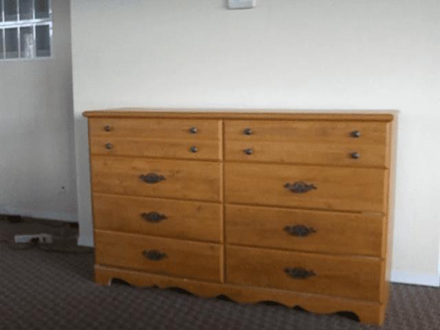 Fixate a TV inside a Cabinet