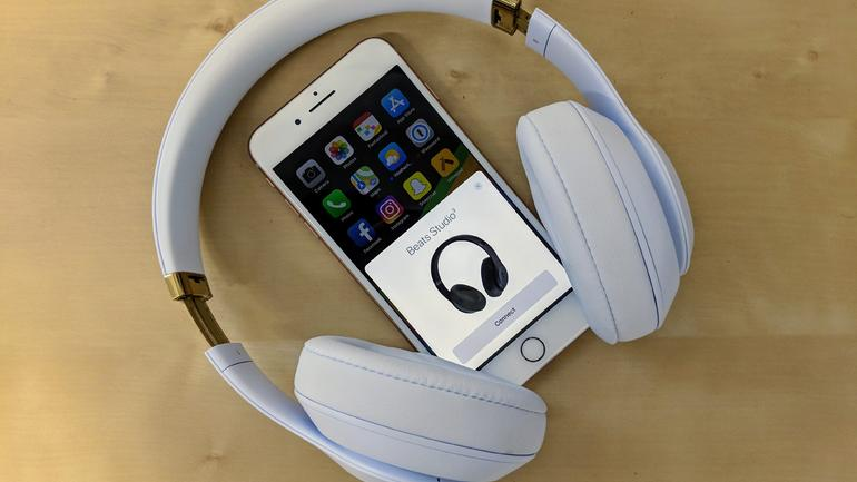 how-to-pair-Bluetooth-headphones-with-iPhone