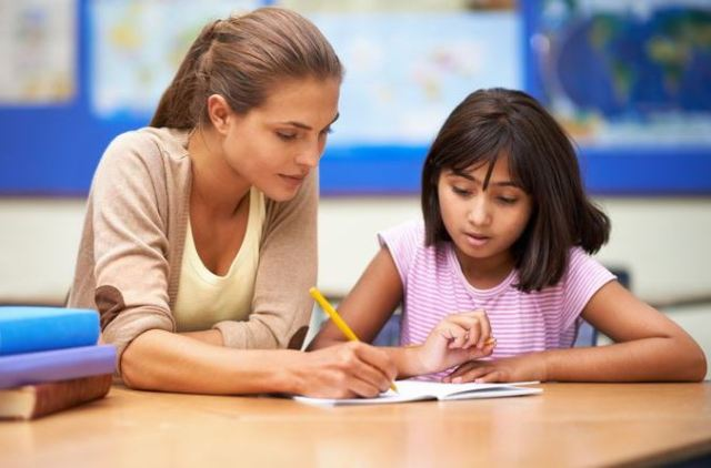 Tutors Help to minimize Distraction