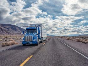 Otonom kamyonlar buzdolabı taşımaya başladı