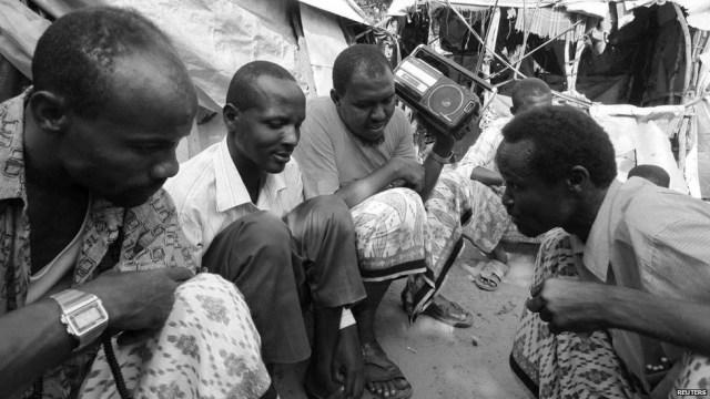 somali_radio_reuters bw