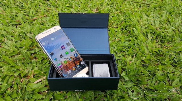 Galaxy s7 Edge In box