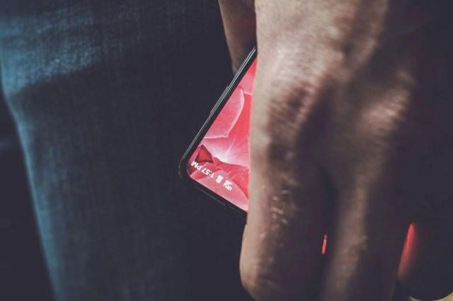 Andy Rubin's Bezeless phones