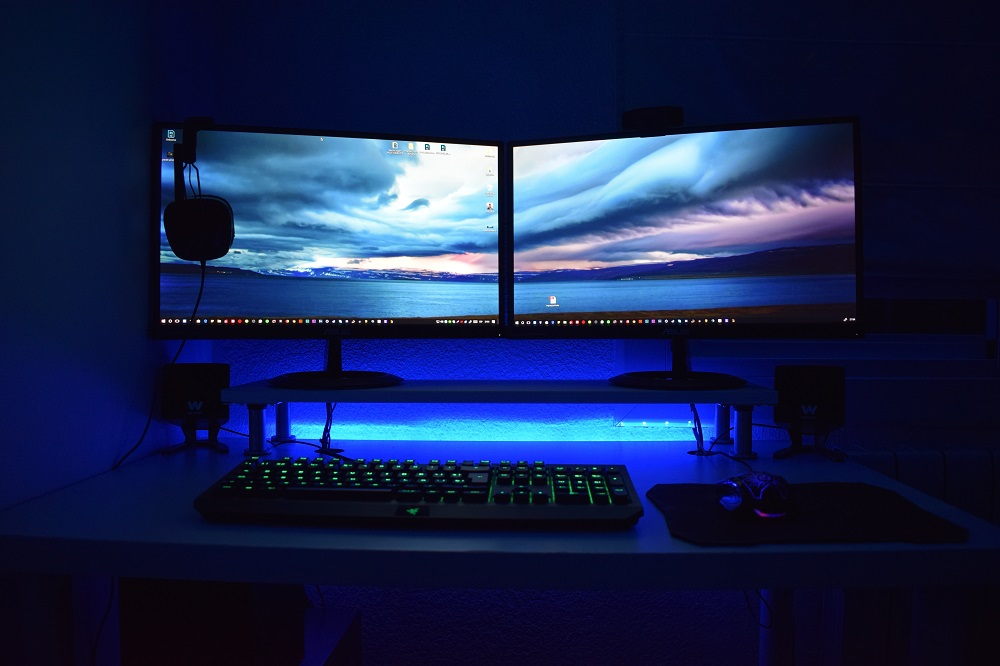 Hook up dual monitors to pc