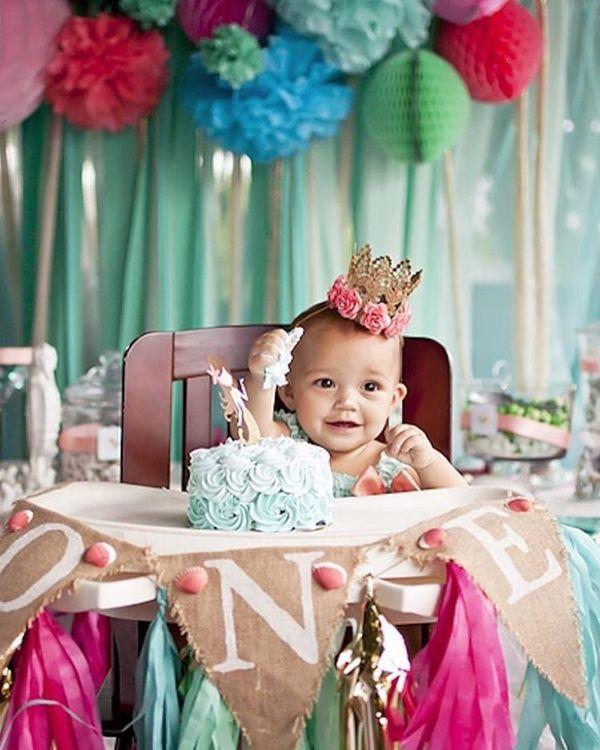 happy kid in his 1st birthday
