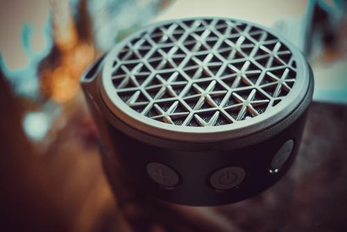 """altavoz """"srcset ="""" https://i0.wp.com/www.techjunkie.com/wp-content/uploads/2019/07/speaker.jpg?w=500&ssl=1 500w, https: //i0.wp. com / www.techjunkie.com / wp-content / uploads / 2019/07 / speaker.jpg? resize = 300% 2C200 & ssl = 1 300w, https://i0.wp.com/www.techjunkie.com/wp-content /uploads/2019/07/speaker.jpg?resize=287%2C192&ssl=1 287w, https://i0.wp.com/www.techjunkie.com/wp-content/uploads/2019/07/speaker.jpg? redimensionar = 479% 2C320 & ssl = 1 479w, https://i0.wp.com/www.techjunkie.com/wp-content/uploads/2019/07/speaker.jpg?resize=32%2C21&ssl=1 32w, https: //i0.wp.com/www.techjunkie.com/wp-content/uploads/2019/07/speaker.jpg?resize=419%2C280&ssl=1 419w, https://i0.wp.com/www.techjunkie .com / wp-content / uploads / 2019/07 / speaker.jpg? resize = 100% 2C67 & ssl = 1 100w, https://i0.wp.com/www.techjunkie.com/wp-content/uploads/2019/ 07 / speaker.jpg? Resize = 370% 2C247 & ssl = 1 370w, https://i0.wp.com/www.techjunkie.com/wp-content/uploads/2019/07/speaker.jpg?resize=400%2C267&ssl = 1 400w, https://i0.wp.com/www.techjunkie.com/wp-content/uploa ds / 2019/07 / speaker.jpg? resize = 150% 2C100 & ssl = 1 150w, https://i0.wp.com/www.techjunkie.com/wp-content/uploads/2019/07/speaker.jpg?resize = 64% 2C43 & ssl = 1 64w """"tamaños ="""" (ancho máximo: 500 px) 100vw, 500 px """"data-recalc-dims ="""" 1 """"/></p> <h2>¿Cómo puede hacer que AirPlay funcione en altavoces no compatibles?</h2> <p>Airfoil, y su aplicación complementaria móvil Airfoil Satellite, es el camino a seguir si desea transmitir su música a un altavoz Bluetooth no compatible. Desarrollado por Rogue Amoeba Software, está disponible para descargar en su sitio web para computadoras Mac y Windows.</p> <p><img class="""