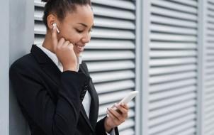 airpods how to make a phone call