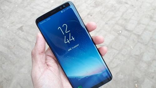 Как исправить экран Galaxy S8 +