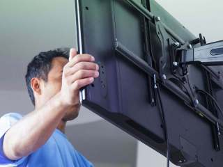 How to Remove Samsung TV From Wall Mount