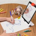أطفالك سوف يحبون الرسم مع هذا الجهاز