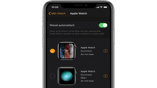 Switch between Apple Watches