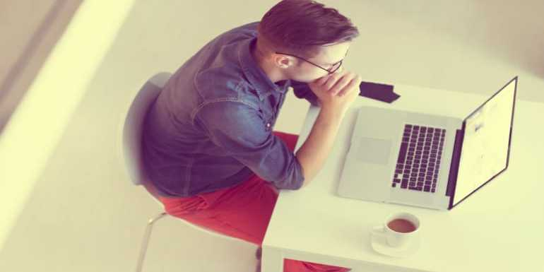 Pros & Cons of Using Social Media for Finding Employees