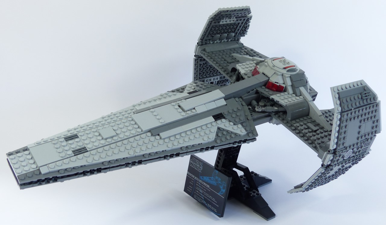 UCS Sith Infiltrator, by Anio, on Eurobricks