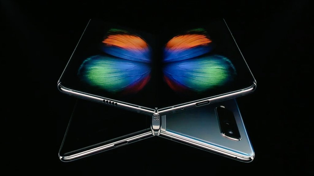 "Samsung Foldable smartphone ""Galaxy Fold"" unveiled with 7.3"" flex display"