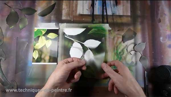 04-peindre-les-feuilles-avec-du-film-adhésif-techniques-de-peintre