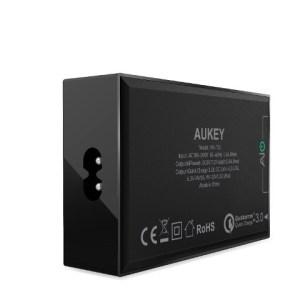 TechnoBlitz.it Aukey: recensione caricatore PA-T15 a 5 porte USB  TechnoBlitz.it Aukey: recensione caricatore PA-T15 a 5 porte USB