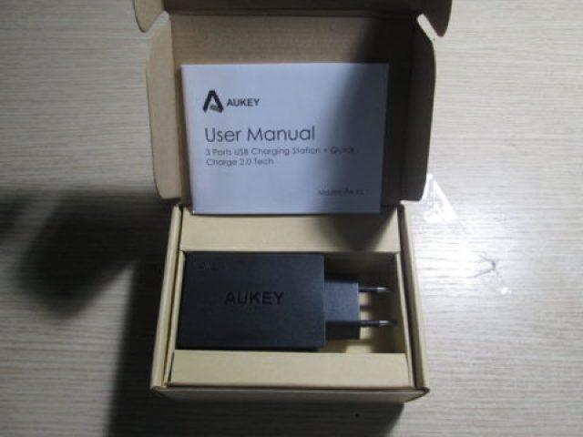 TechnoBlitz.it Recensione Caricabatterie Aukey PA-T2-N: potente, con 3 porte USB  TechnoBlitz.it Recensione Caricabatterie Aukey PA-T2-N: potente, con 3 porte USB