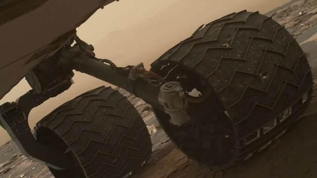 TechnoBlitz.it Problema su Marte: danneggiate due lamelle delle ruote di Curiosity
