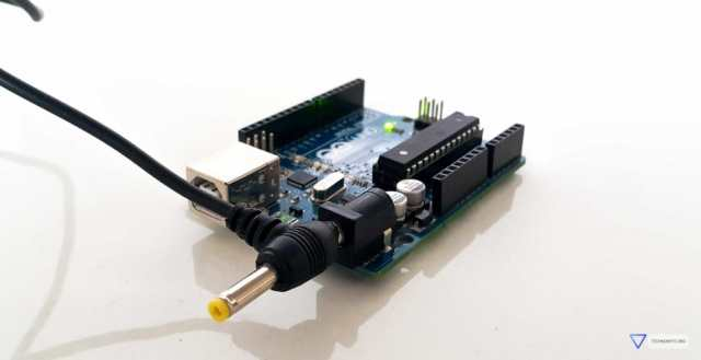 Four ways to power up the arduino uno