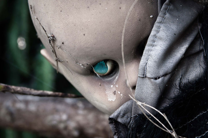 The creepy dolls on an island in Mexico-The 10 Most Scary Places On The Earth-1