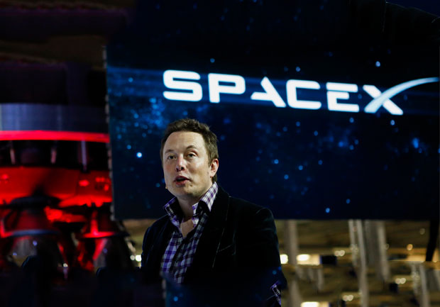 Elon Musk, şirketlerinin Facebook sayfalarını sildi
