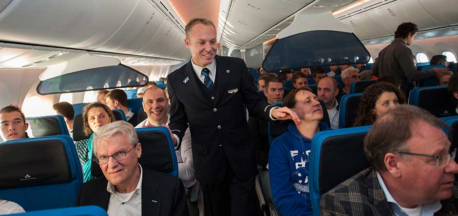 KLM Royal Dutch Airlines uses Yammer to improve employee
