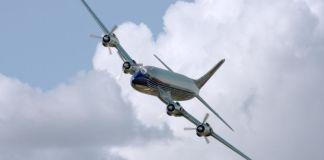 plane-409047_1920