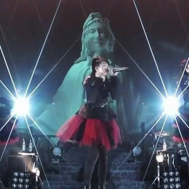 BABYMETAL – Give Me Chocolate!! (preview en vivo)