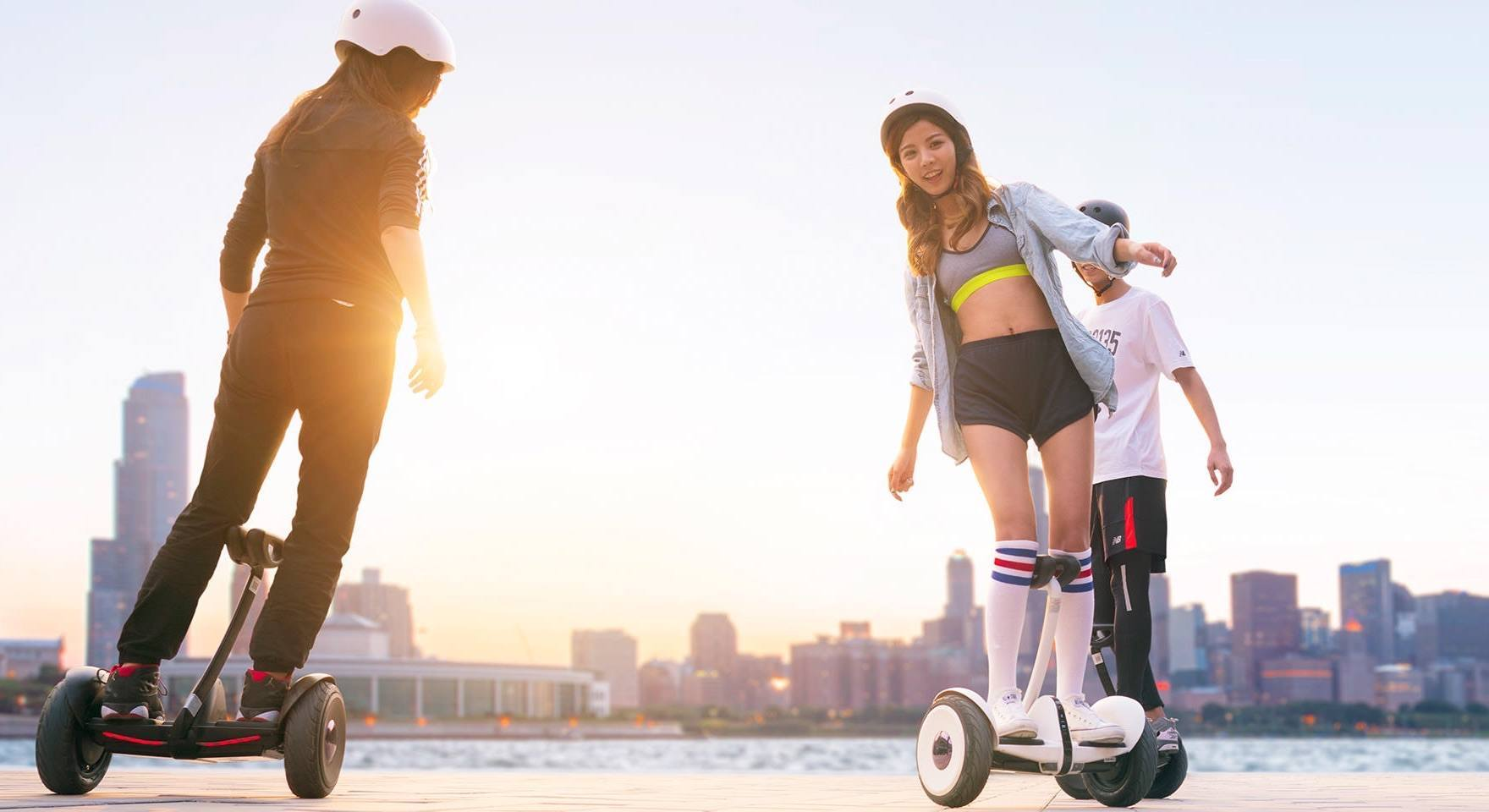 Xiaomi-hoverboard-made-with-Ninebot-and-Segway-photo-2b