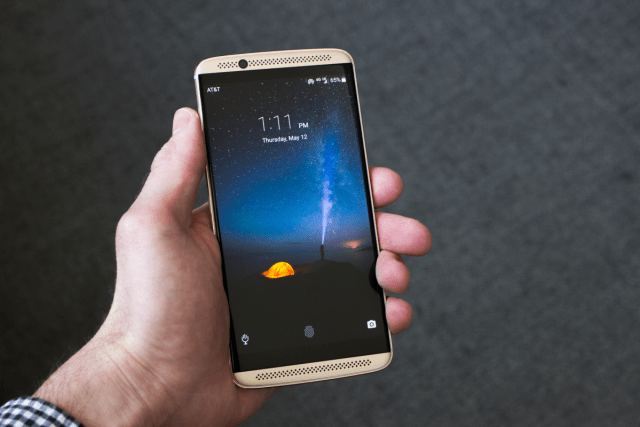Download And Install B19 Android 7.1.1 Nougat On ZTE Axon 7