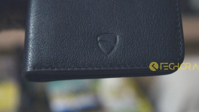 VaultSkin City Wallet Review