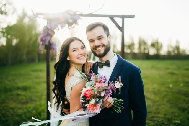 7 Posture Ideas for Wedding Photography
