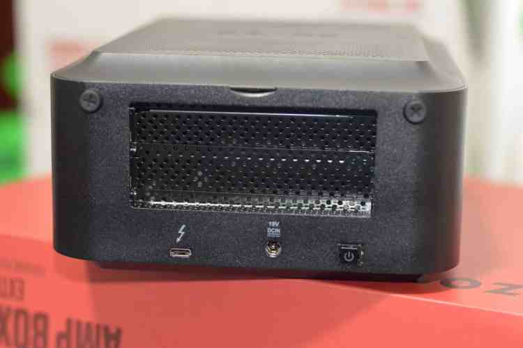 DSC 4698 1024x683 - ZOTAC AMP Box Review