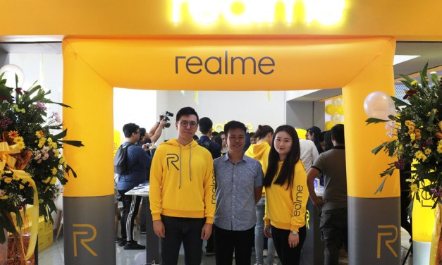 Realme Launches First Concept Store at SM Fairview