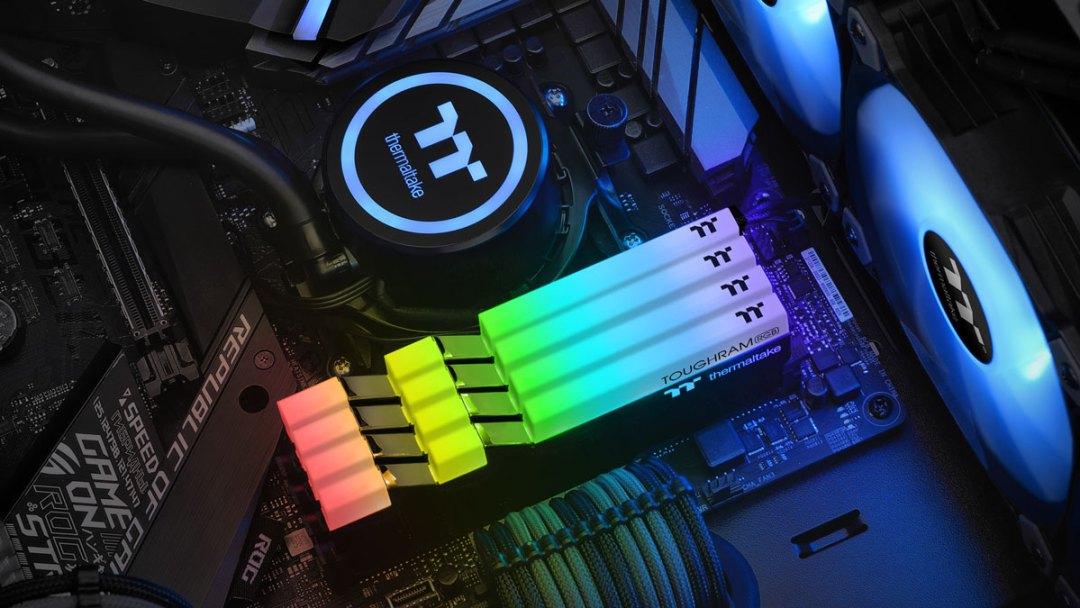Thermaltake-TOUGHRAM-RGB-DDR4-PR (1)