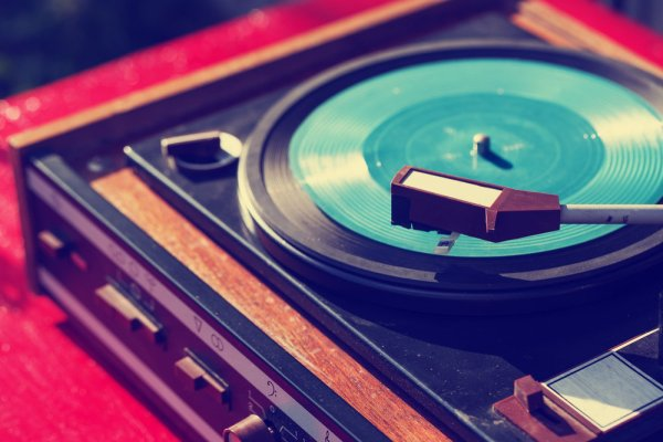 Portable turntables