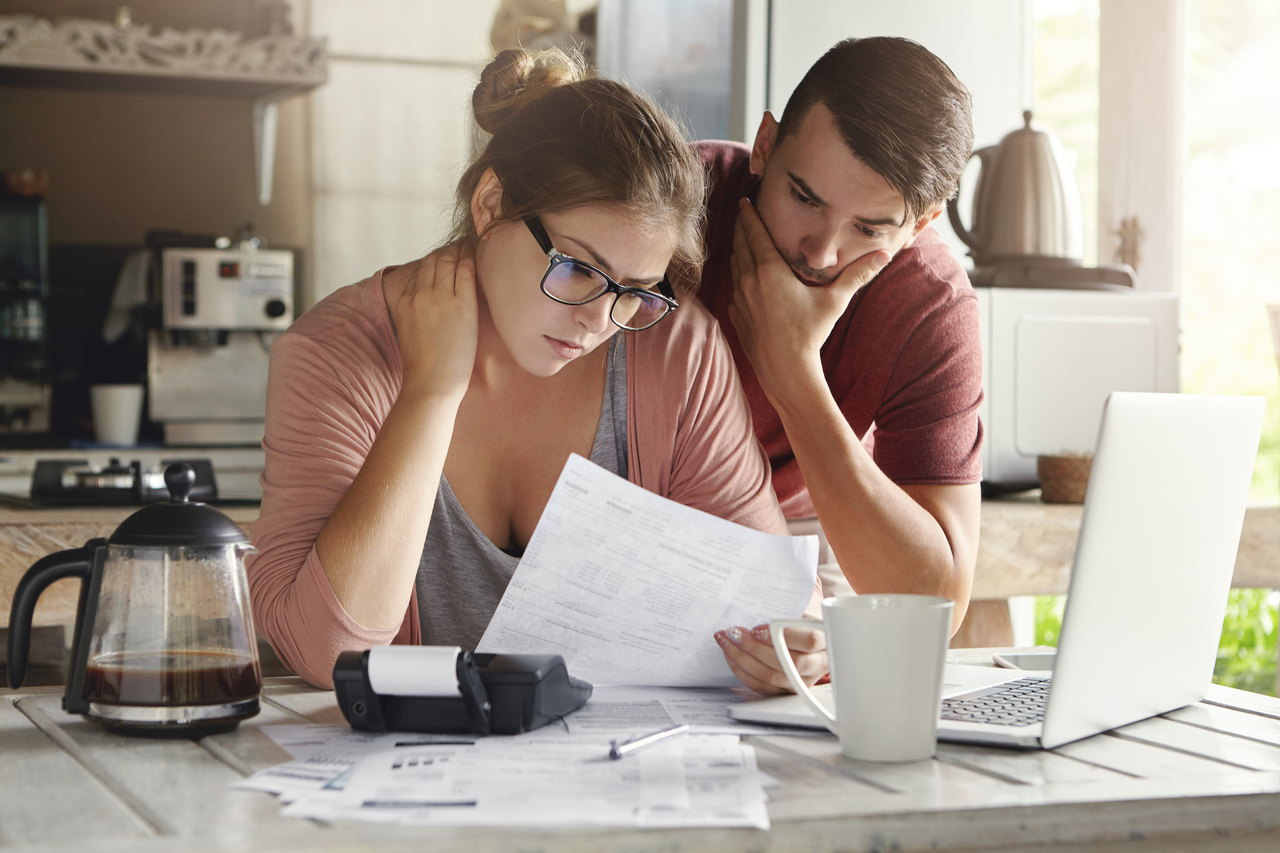 Manage your expenses smartphone way