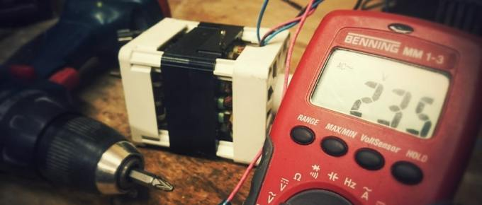 Multimeter for electronics