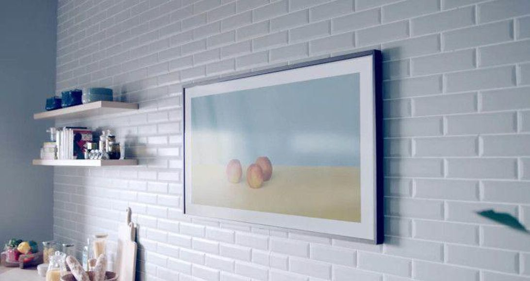 samsung-the-frame-2018-on-wall