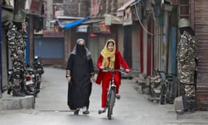 Shut-down shops in Srinagar demonstrate the toll the internet ban has taken on the local economy