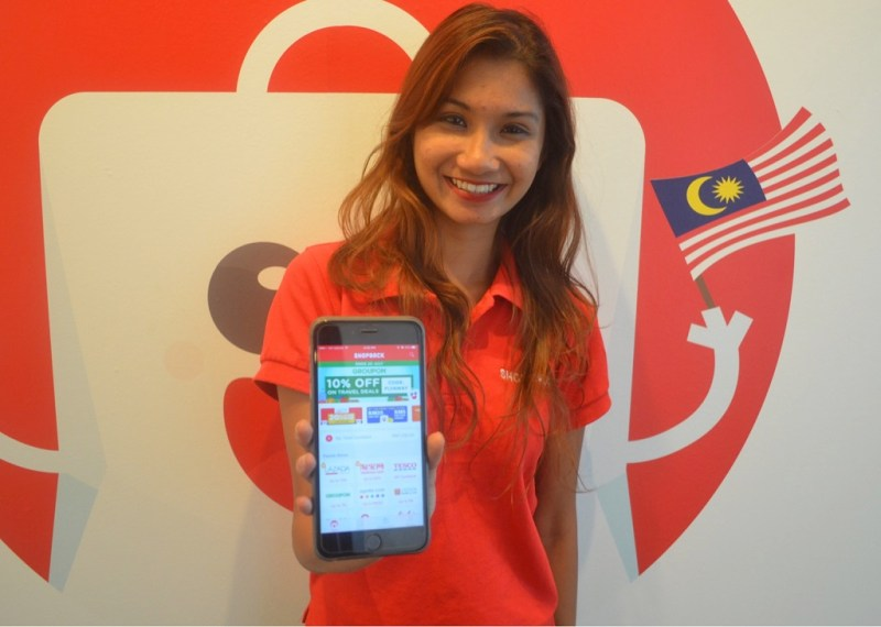 Sharmeen Looi, COO of ShopBack Malaysia, the top Cashback platform in Malaysia, showcases the Android version of ShopBack mobile app