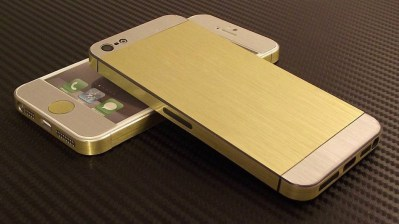 Leaked image of Speculated iPhone 5S Gold variant