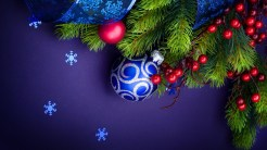 Purple Balls - hd christmas wallpapers