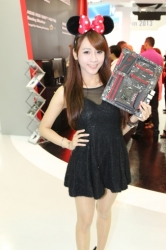 Computex2014-Booth-babes-P131