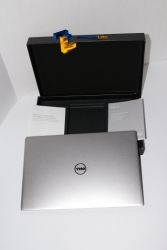 Dell XPS 13 [In The Box]