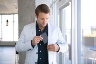InFocus - Kangaroo - lifestyle Man jacket pocket