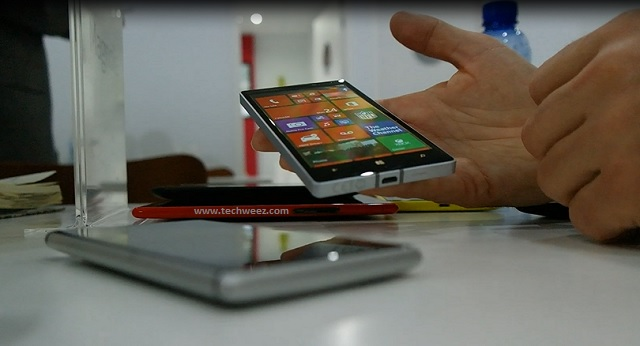 Nokia Lumia 930 Built