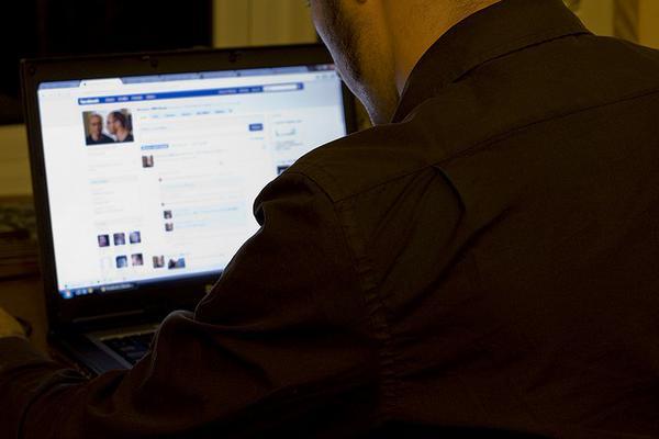 people lie on social media