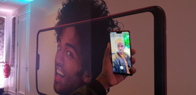 OPPO F7 Selfie