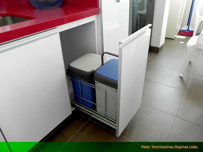 Herrajes que ofrecen grandes soluciones a su cocina integral